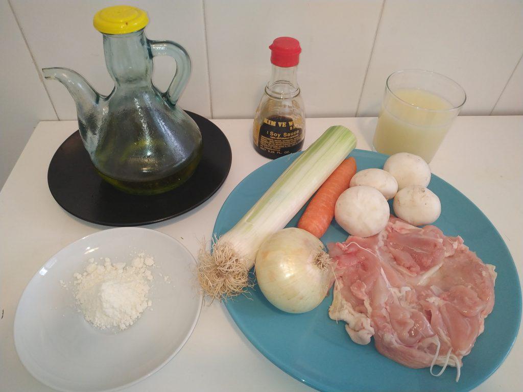 ingredients pollastre amb ametlles